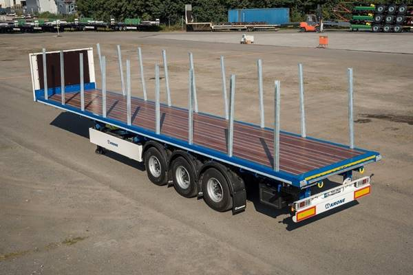 New KRONE flatbed semi-trailer for UK and Ireland)