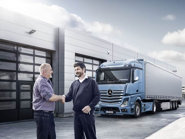 Mercedes-Benz Enhanced Customer Experience)