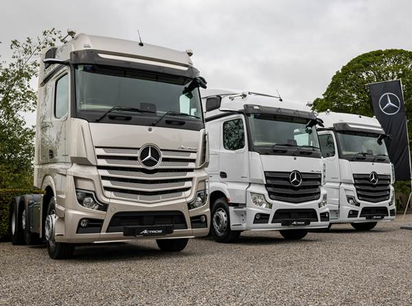 The new Mercedes-Benz Actros)