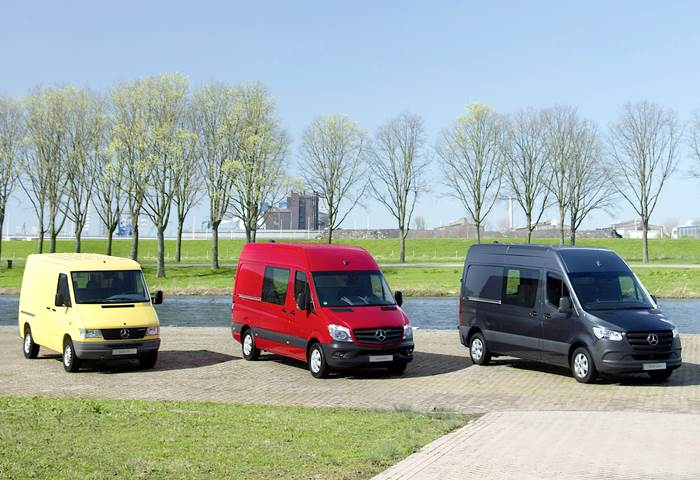 Mercedes-Benz Sprinter - 25 years)