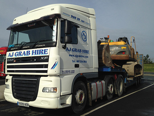 AJ Grab Hire provides nationwide grab hire services.)
