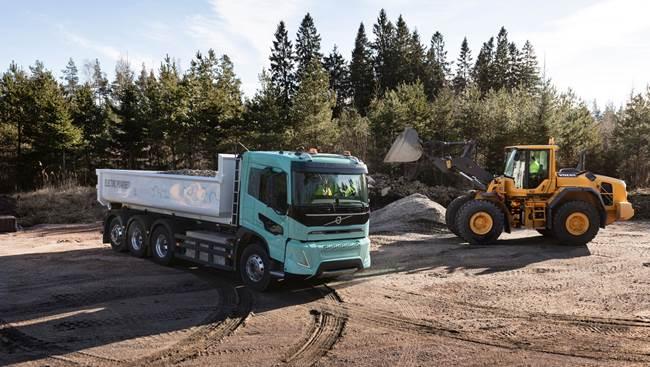 Volvo electric concept trucks)