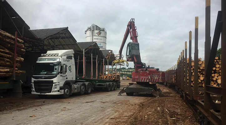 As well as specialising in the transportation of timber logs, Kilcooney Haulage Ltd have branched out into the selling of timber itself, predominately as firewood. )