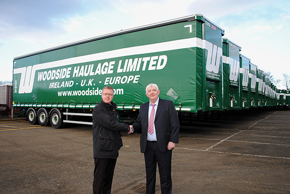 The 60 new curtainsiders have joined Woodside's 500 strong trailer fleet.)